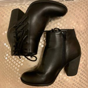 Black leather booties! 💣